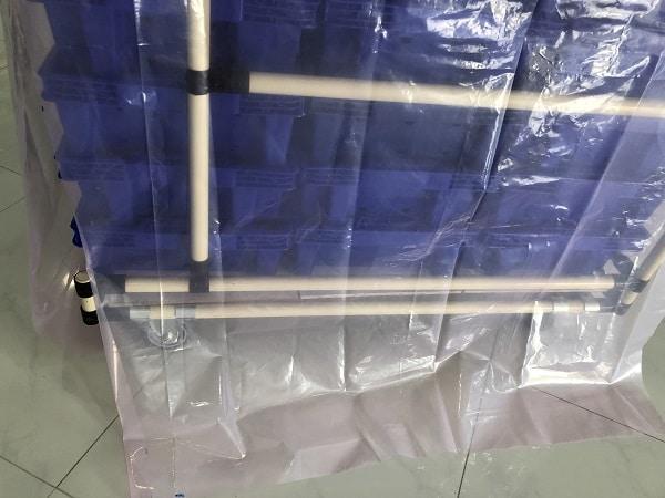 ถุงมุ้งคลุมรถเข็นในไลน์ผลิต